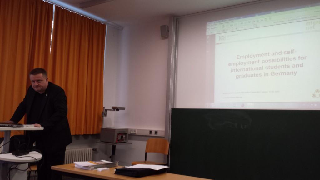 COO Rainer Aliochin beim Vortrag
