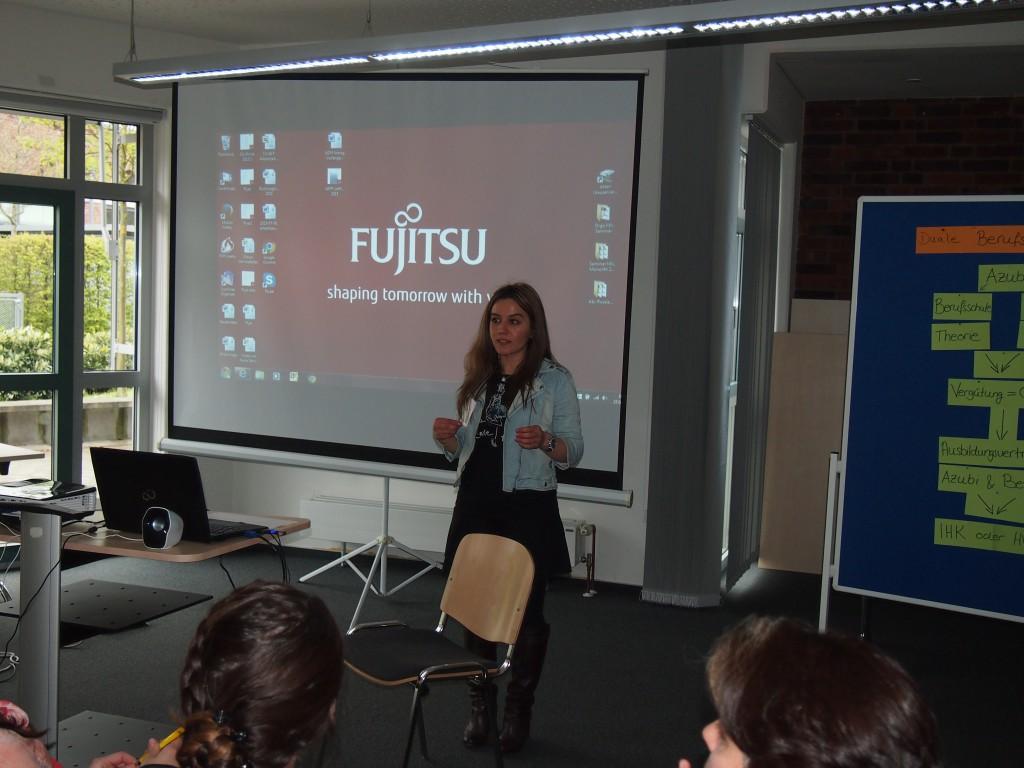 Elif Ersin (Projekt Aqua) gibt Informationen zum Thema Anerkennung von ausländischen Berufsabschlüssen...
